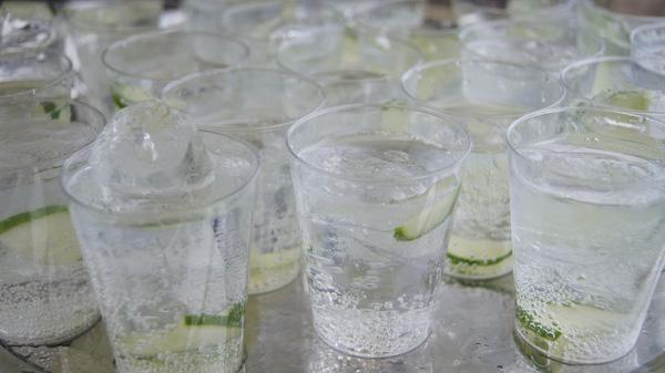 Bài toán rượu và nước