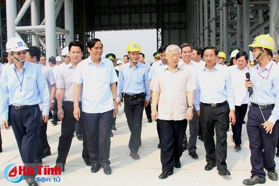Tong Bi thu Nguyen Phu Trong kiem tra san xuat tai Ha Tinh - Anh 1