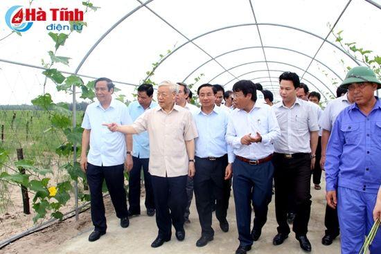 Tong Bi thu Nguyen Phu Trong kiem tra san xuat tai Ha Tinh - Anh 4
