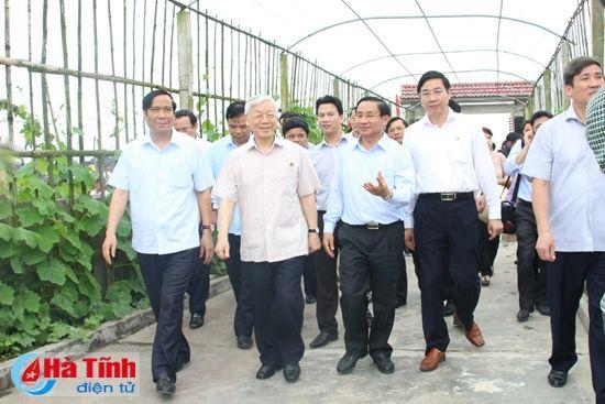 Tong Bi thu Nguyen Phu Trong kiem tra san xuat tai Ha Tinh - Anh 5