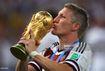 Schweinsteiger giã từ tuyển Đức