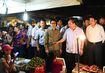 Thủ tướng bất ngờ thị sát chợ Long Biên