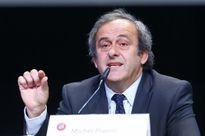 Chủ tịch UEFA Platini yêu cầu ông Blatter từ chức