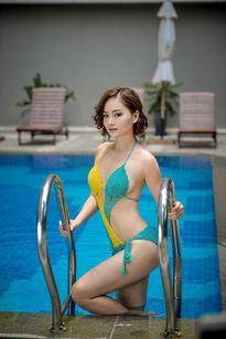 """Diễn viên Lan Phương từ xì tai """"quê mùa"""" sang sexy"""