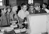 Kỷ niệm 100 năm Ngày sinh cố Tổng Bí thư Nguyễn Văn Linh (1.7.1915-1.7.2015) Cán bộ Công đoàn phải trưởng thành từ cơ sở