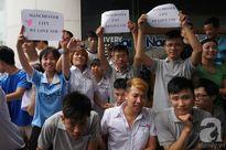 Sao Man City thích thú với hình ảnh dễ thương của các fan nhí Việt Nam