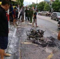 Tin nóng pháp luật: Đi xe 'kẹp ba' còn tấn công CSGT