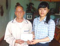 """Cty Nam Việt Á trao tặng 50 triệu đồng giúp """"Chàng sinh viên viết tiếp ước mơ"""""""