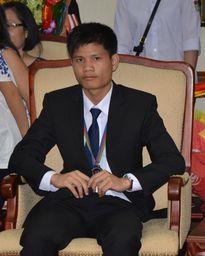 Chàng trai giành huy chương Bạc Olympic Hóa học: Đi bộ 10km đến trường và tiêu 400.000 đồng/tháng