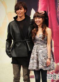 Moon Geun Young tái ngộ mỹ nam Kim Jae Wook