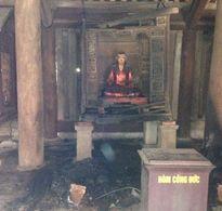 Cháy hương án 300 tuổi tại chùa Bút Tháp