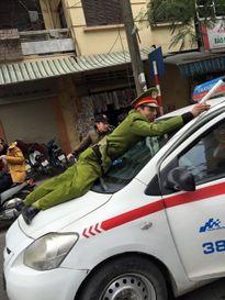 Liên tiếp các vụ tài xế manh động chống đối cảnh sát