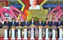 Thủ tướng dự Khai mạc Triển lãm Thành tựu Kinh tế-Xã hội