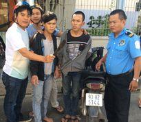 'Hiệp sĩ' vây bắt tên cướp mang theo dao phay