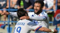 Tường thuật vòng 4 Ligue 1: Lyon, Reims phô diễn sức mạnh