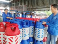 TP Hồ Chí Minh: Giá gas đồng loạt giảm 12 nghìn đồng/bình 12kg
