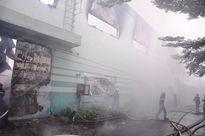 Cháy kinh hoàng trong KCN Vĩnh Lộc, hàng trăm lính cứu hỏa dập lửa