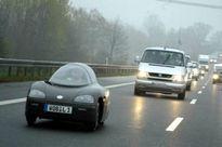 Giật mình chiếc ôtô chạy 100km hết 1 lít xăng, giá rẻ như xe máy