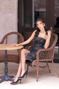 Minh Tú gợi cảm trong trang phục Chung Thanh Phong