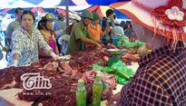 Tranh nhau mua thịt trâu chọi Đồ Sơn giá 1-2 triệu đồng/kg