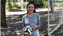 """Bà Tưng mê Ronaldo và Messi, """"đặt cửa"""" ĐTVN thắng Thái Lan"""