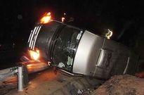 Đắk Lắk: Xe khách mất lái lật nhào, 4 người thương vong