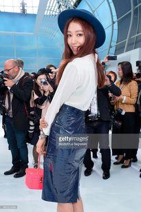 Park Shin Hye đọ dáng siêu mẫu số một châu Á ở Paris