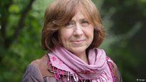 Nữ nhà báo Belarus đoạt giải Nobel Văn học 2015