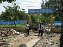 Chủ nhà mở cổng trường với điều kiện phải giải quyết thắc mắc