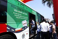 Triển khai vé xe buýt điện tử: Ngập ngừng với vé thông minh