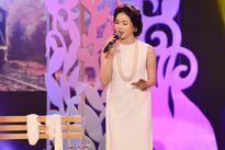 Lệ Quyên - Quang Linh làm tình nhân trên sân khấu
