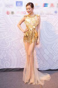 Hoàng Thùy Linh 'đốt mắt' khán giả với váy xuyên thấu
