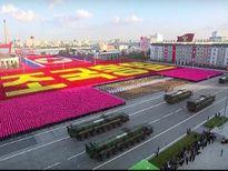 Triều Tiên khoe tên lửa tầm xa mới trong buổi duyệt binh