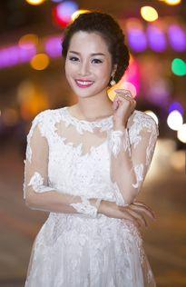 """Minh Hương """"Vàng Anh"""" ngày càng tươi trẻ, rạng ngời"""