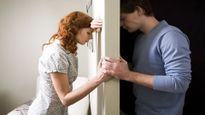 Phát hiện quá khứ động trời của vợ nhờ… chiếc vòng tránh thai lạc