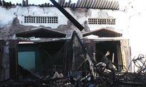 Hỗ trợ các tiểu thương chợ Đắk Mil bị cháy ki ốt