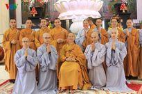 Cảm động lễ xuất gia của những Phật tử trẻ