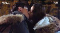 """Video phim: Nụ hôn """"bong bóng"""" say đắm lòng người"""