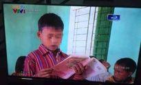 """Truyền hình Thanh niên nhận sai sót về hình ảnh """"học sinh cầm sách ngược"""""""