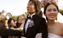 Han Ga In mang thai sau 10 năm kết hôn