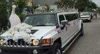 Dàn siêu xe rước dâu gây náo loạn đường phố