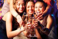 Rượu, bia làm tăng nguy cơ gây ung thư vú