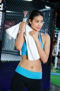 Hành trình chuẩn bị đến Hoa hậu Hoàn vũ 2015 của Phạm Hương