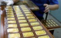 Giá vàng giảm mạnh vì khả năng FED sắp tăng lãi suất