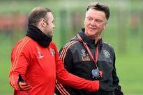 MU cần sớm loại bỏ Rooney