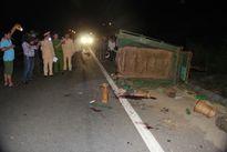 Kinh hoàng xe tải tông công nông, 12 người thương vong