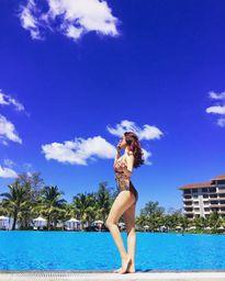 Người đẹp Việt táo bạo diện bikini giữa ngày đông
