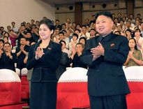 """Đàn ông Triều Tiên bị bắt """"xuống tóc"""" kiểu Kim Jong Un?"""