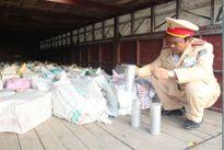 Phát hiện 8 tấn nhôm lậu trên xe chở qua tải