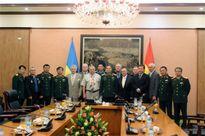 Thượng tướng Trương Quang Khánh tiếp Đoàn cựu chiến binh U-crai-na